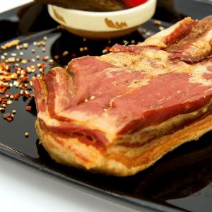 Bacon afumat - din piept de porc